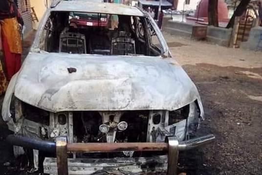मंगलसेन नगरपालिकाको गाडी जलाउने दुई पक्राउ