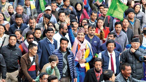 भारतमा सत्तारुढ भाजपाका सांसदले लिए नेपालीमा शपथ