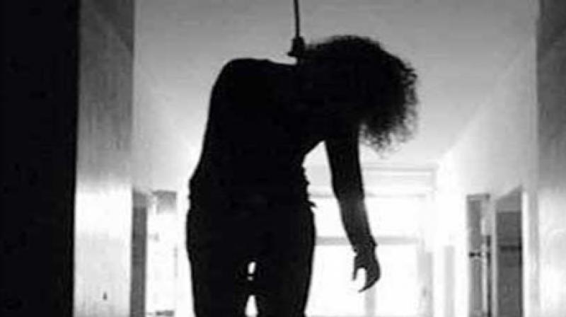 तीन वर्षमा १६ हजारले गरे आत्महत्या, बढी आत्महत्या झुन्डिएरै