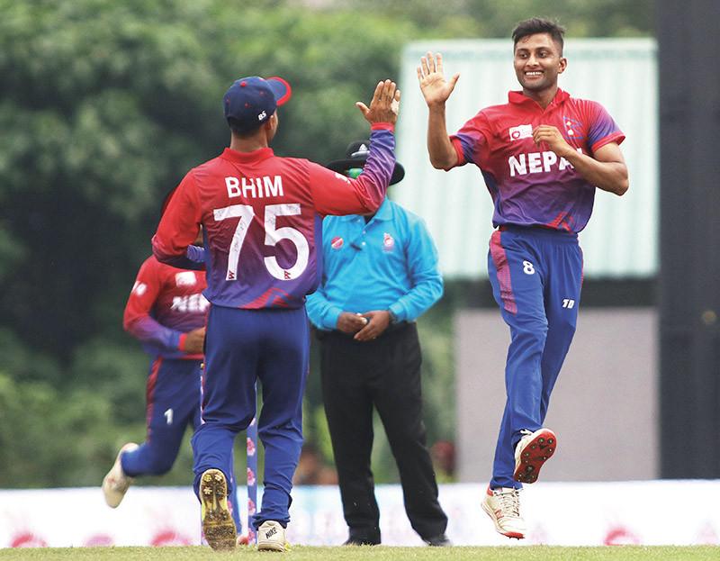 सागर ढकालले ५ विकेट लिएपछि नेपाल विजयी