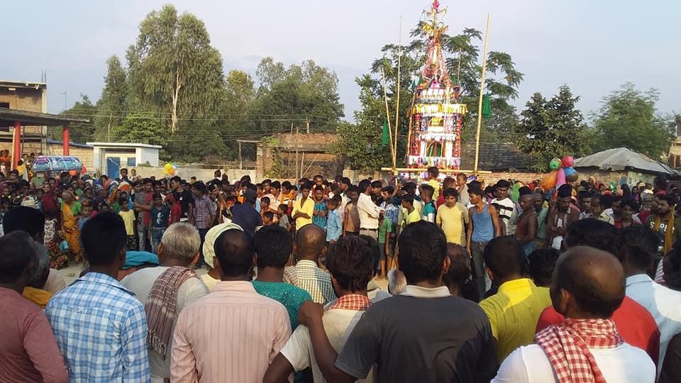 मुस्लिम समुदाय ताजिया मेला मनाउँदै