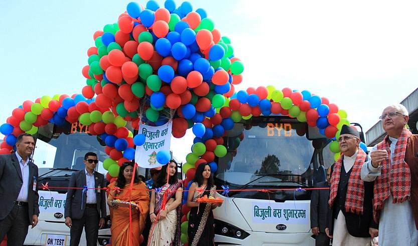 नेपालमा पहिलो पटक चल्यो बिजुली बस