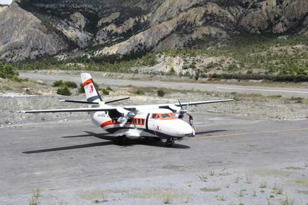 मनाङको हुम्डे विमानस्थलमा ६ वर्षपछि पुग्यो विमान