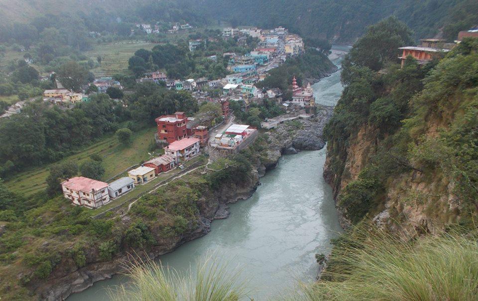 सीमा नाका बन्द हुँदा नेपाली समस्यामा