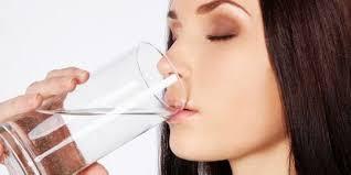 पानीको कमी हुँदा शरीरमा देखिने १० असरहरू