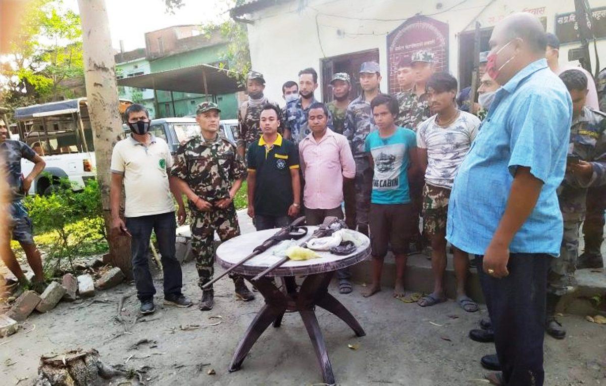 माेरङमा सुरक्षाकर्मी र काठ तस्करबीच गोली हानाहान