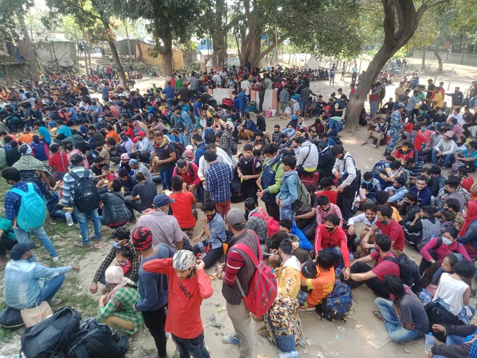 सुदूरपश्चिम कोरोना भाइरसको 'रेड जोन' बन्दै,हजारौँको भीडसँगै आएका थिए २ संंक्रमित