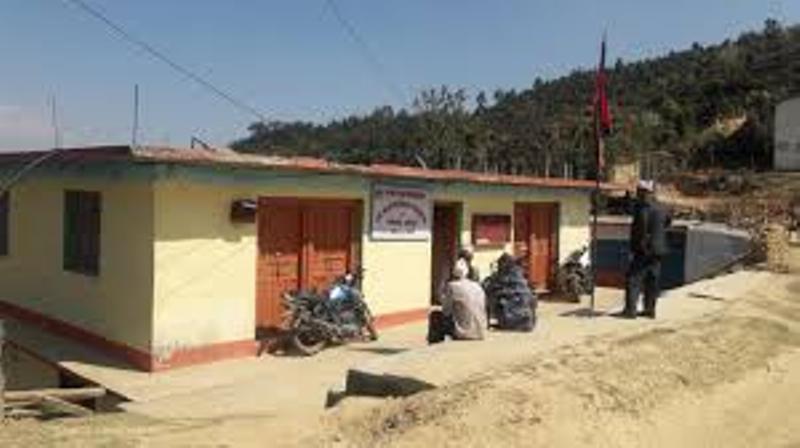 कोरोना त्रासः डडेल्धुरामा एक गाउँबाट अर्को गाउँ जानसमेत  रोक