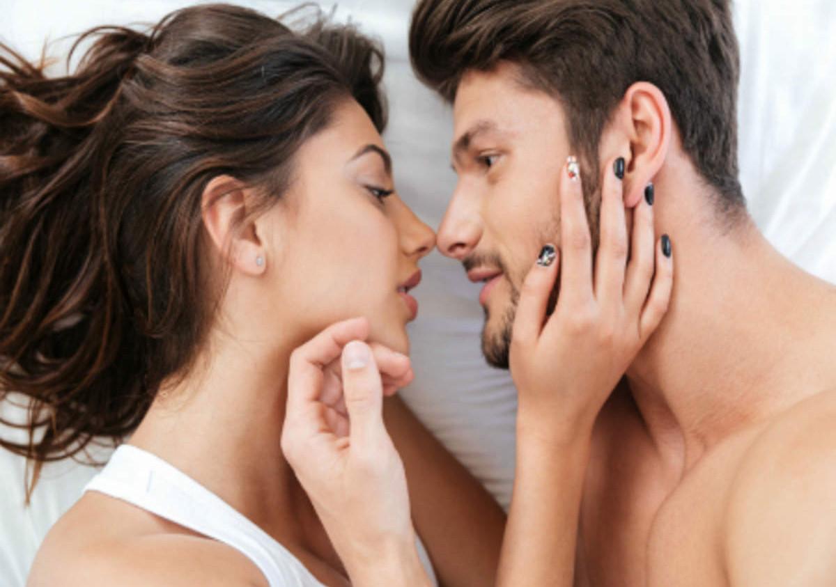 अनुसन्धानको निष्कर्ष– यौन सम्पर्कबाट कोरोना सर्छ