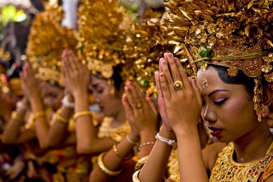 कोरोना भाइरस : इन्डोनेसियामा हिन्दु परम्पराको तारिफ