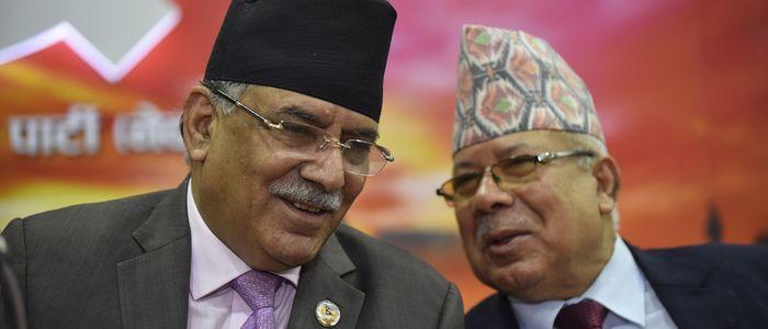 प्रचण्डको 'यू–टर्न'पछि नेपाल समूह 'पर्ख र हेर'काे रणनीतिमा