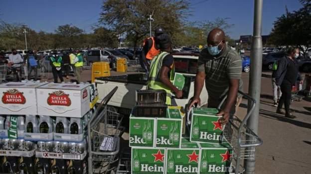 दक्षिण अफ्रिकामा काेराेना संक्रमण राेक्न रक्सी बिक्रीमा प्रतिबन्ध